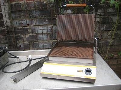 R.V.Rutland CG301 commercial Contact grill.