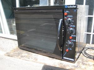 Blue Seal E31 commercial convection oven.