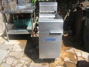 ELITE CEFS-40 commercial Gas Fryer available on LPG as well refurbished.